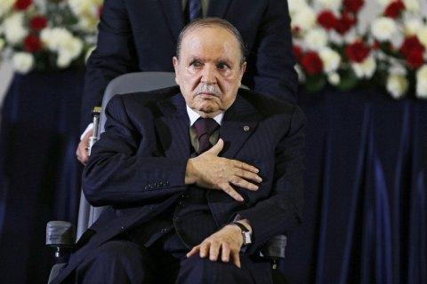 82-річний президент Алжиру пішов на п'ятий термін