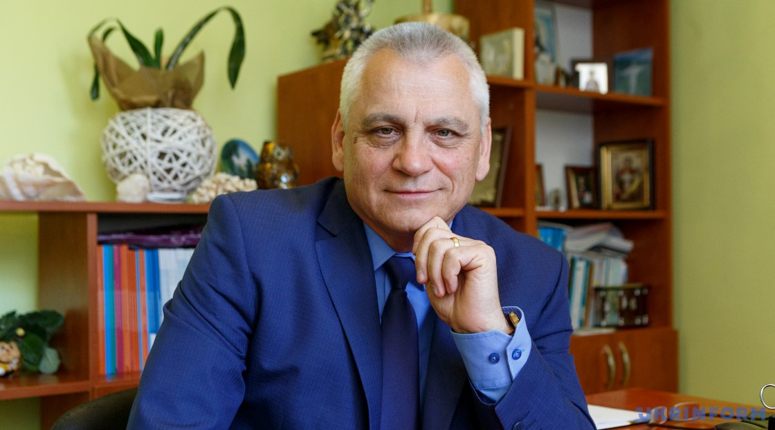 Про вакцинацію від СOVID-19 Голос Карпат бесідував із головним лікарем обласної клінічної інфекційної лікарні Михайлом Амброзійовичем Поляком.