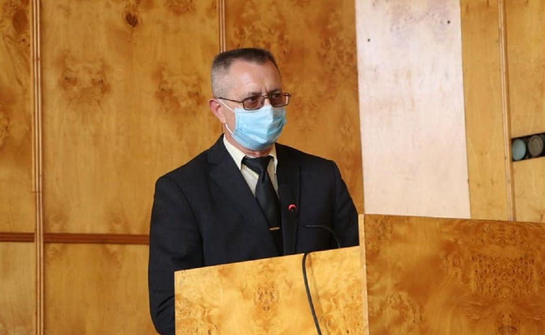 Голова Закарпатської ОДА Олексій Петров представив в.о. голови Хустської райдержадміністрації Віктора Сабадоша.