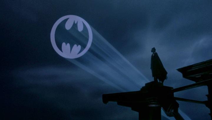 Легендарний бет-сигнал з'явиться на будівлях в одинадцяти містах світу на честь 80-річчя супергероя.