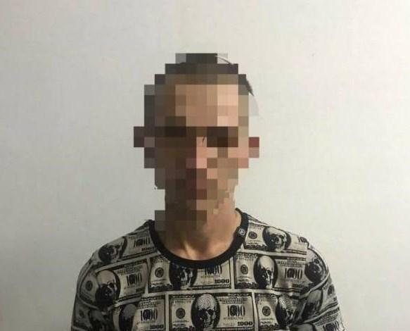 Оперативники поліції Ужгородщини встановили осіб, причетних до чотирьох майнових злочинів у селі Сторожниця. Як з'ясувалося, три з чотирьох крадіжок – справа рук одного зловмисника.