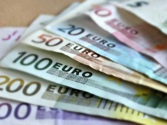 Стало відомо, яка найвища і найнижча зарплата в ЄС