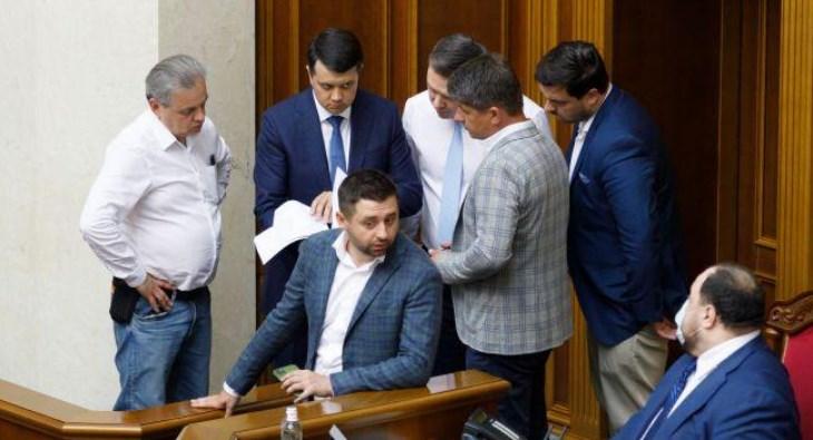 Верховна рада повертається до роботи, сьогодні стартувала шоста сесія роботи Верховної ради.