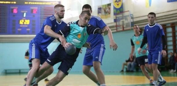 Ужгородські гандболісти тримаються на першому місці Чемпіонату України