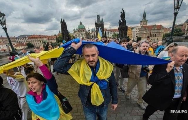 Чехія вислала понад 1000 українських заробітчан із польськими дозволами на роботу