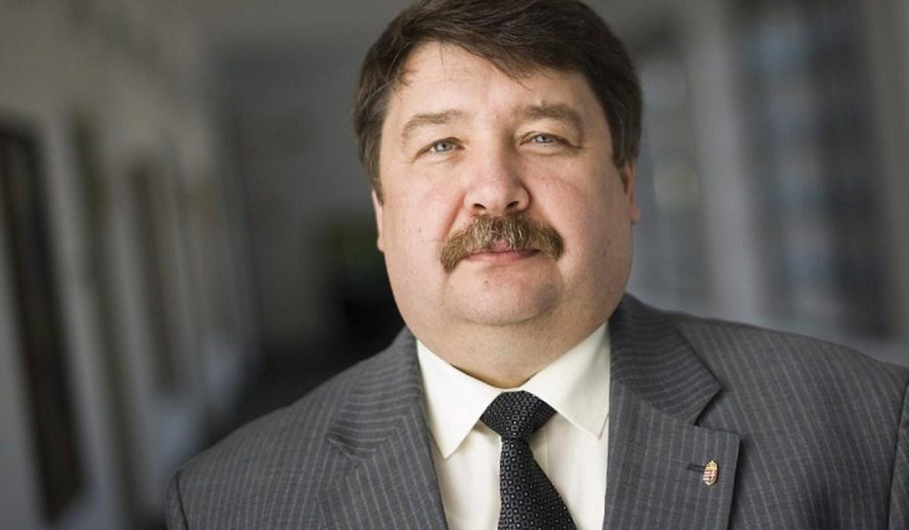 У п'ятницю в Києві дипломату вручили відповідні вірчі грамоти.