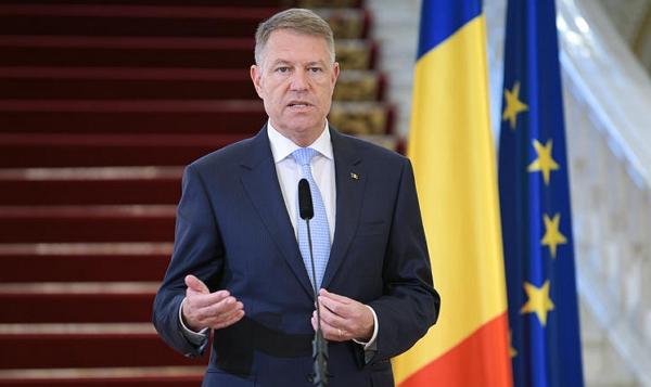 Президент Румунії Клаус Йоганніс підписав у вівторок указ про продовження надзвичайного стану ще на місяць до 15 травня.