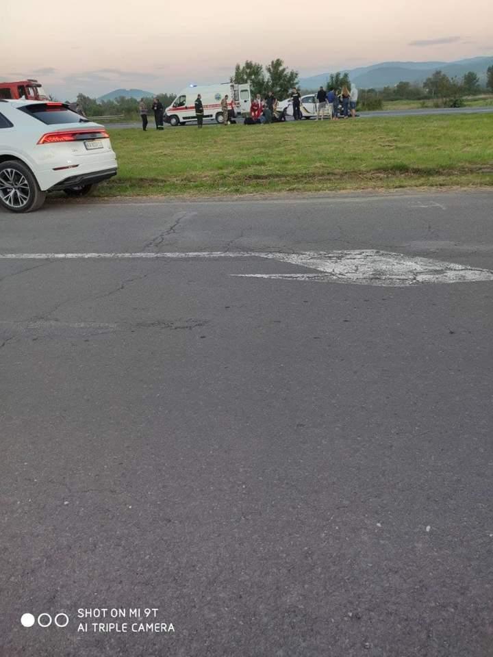 На Закарпатті у ДТП за участі патрульних постраждали четверо людей.