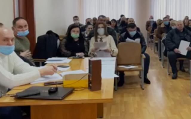 В ці хвилини відбувається засідання сесії Перечинської міської територіальної громади.
