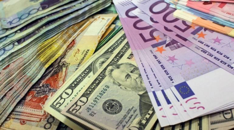 Національний банк зміцнив офіційний курс гривні до долара на 23 копійки. У той же час, курс національної валюти до євро зріс на 29 копійок.