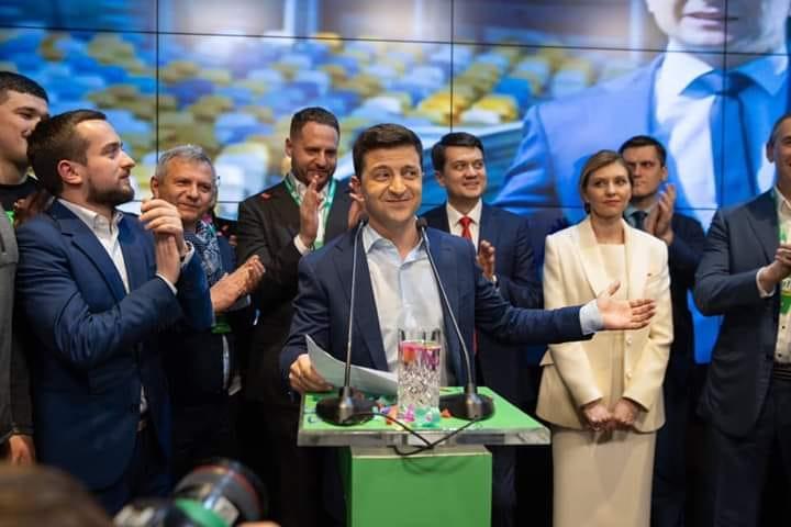 Як свідчить оновлена інформація, коміка Володимира Зеленського підтримали рівно 73 відсотки виборців.