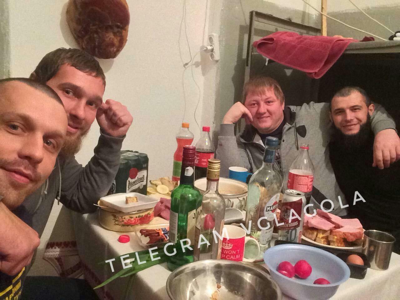 За словами журналіста, який отримав фото з камер, Ужгородське СІЗО - рай для затриманих.