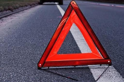 """Сьогодні вранці на Мукачівщині сталась аварія. У селі Залужжя зіткнулися рейсовий автобус """"Ужгород-Рахів"""" та вантажівка."""
