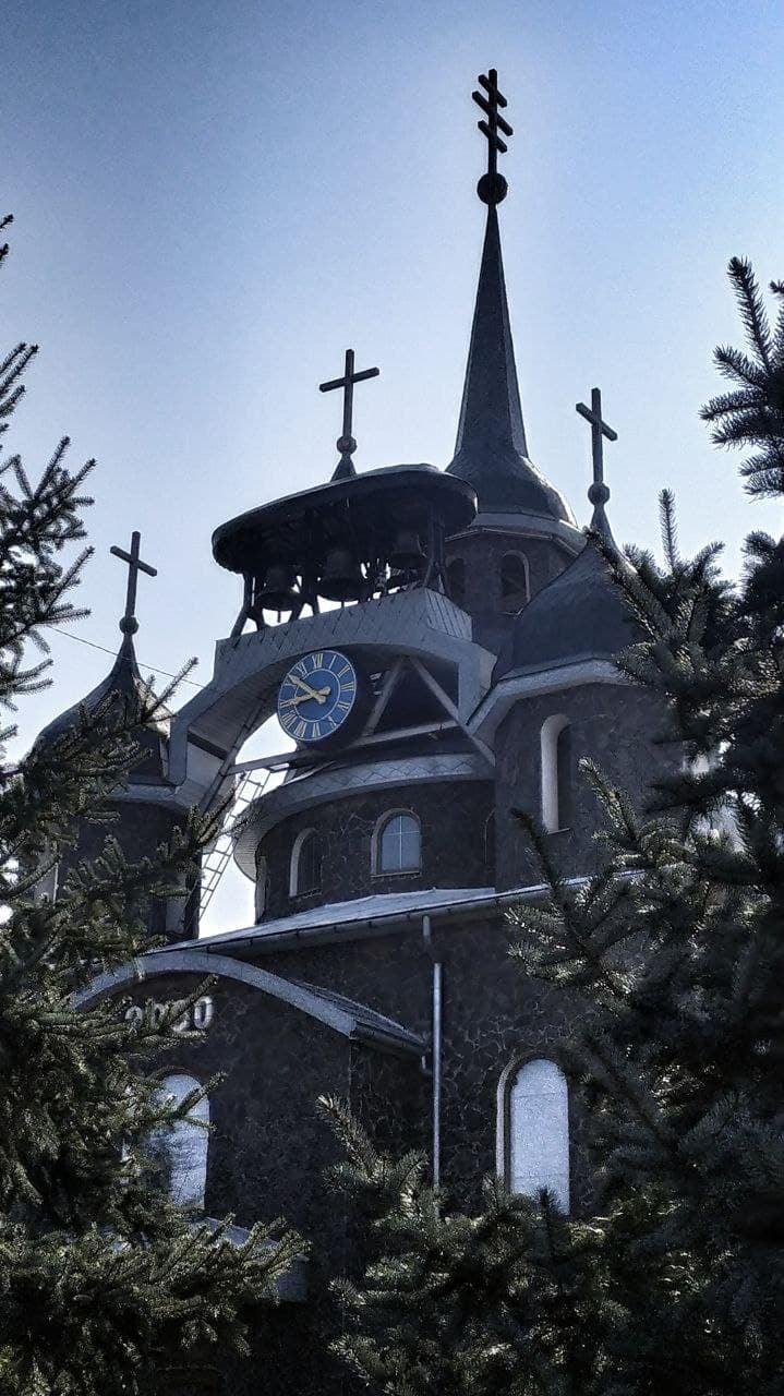 Церковь расположена в селе Ужгородского района.