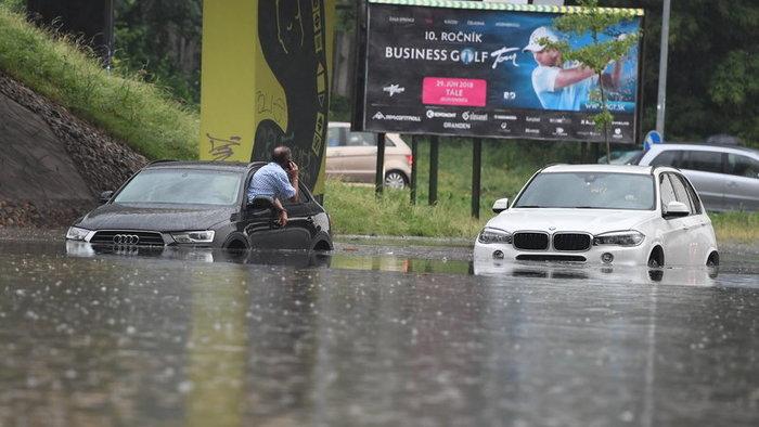 Європа йде під воду: Словаччина, Хорватія та Італія опинились під ударом стихії (ФОТО)