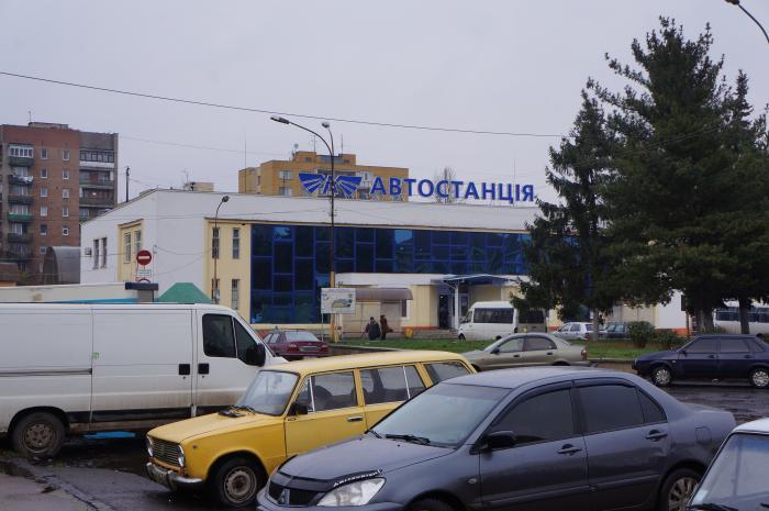 В Ужгороді військові разом із поліцейськими затримали озброєного злочинця.