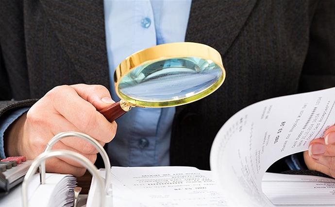 У п'ятницю спливає термін подання податкових декларацій. Про що та як повинні розповісти українці податківцям, аби не отримати штраф?