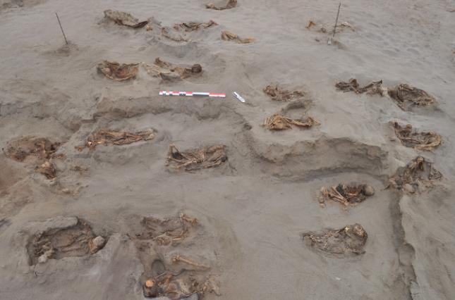 Дітей принесли в жертву в дощову погоду, дослідники виявили 227 тіл.