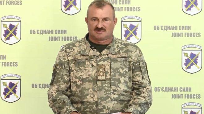 Президент Володимир Зеленський призначив командувачем Об'єднаних сил генерал-лейтенанта Володимира Кравченка.