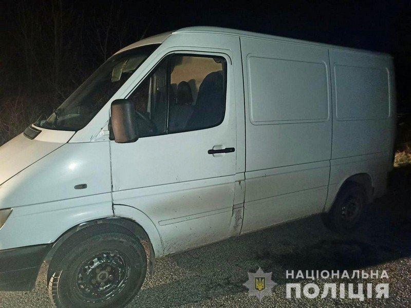 24 березня, близько 2-ої години ночі, до поліції Берегова надійшло повідомлення про угон автомобіля марки Mercedes-Benz Sprinter в селі Великі Береги.