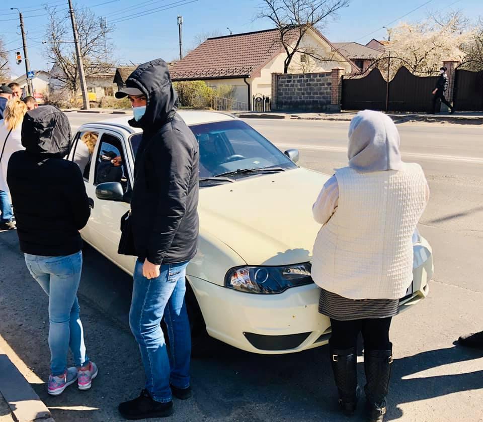 Поліцейські по «гарячих слідах» затримали групу гастролерів, які підозрюються у вчиненні крадіжок на Івано-Франківщині.