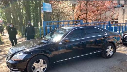 Глава держави прямує до Мукачева.