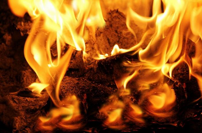 На Перечинщині прокуратура затвердила підозру місцевому мешканцю у підпалі батьківського будинку.