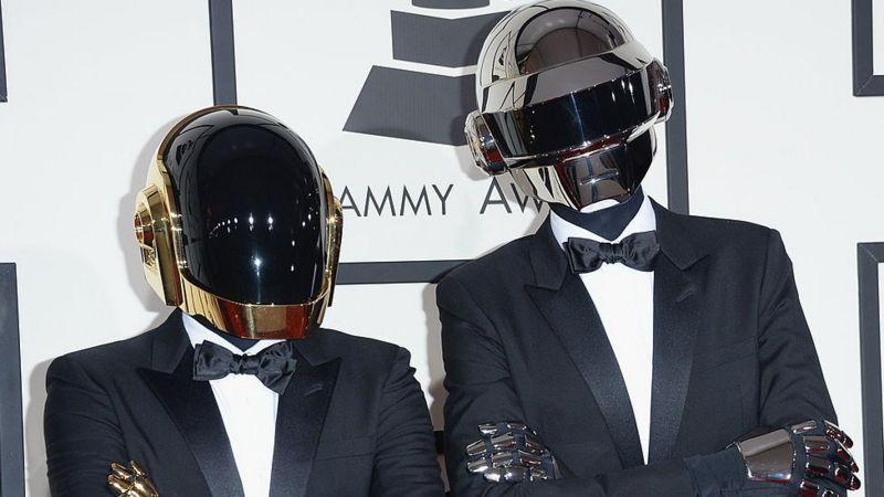 Гурт Daft Punk, який створив одні з найбільш популярних танцювальних треків всіх часів, оголосив про завершення кар'єри через майже 30 років.