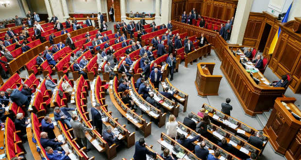 Угорські засоби масової інформації, коментуючи підсумки парламентських виборів на Закарпатті, наголошують: кампанія знову продемонструвала єдність угорців регіону.