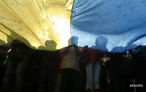 Ще майже 30% українців зазначили, що їх заощаджень вистачить тільки на місяць, а до півроку зможе протриматися лише чверть опитаних українців.