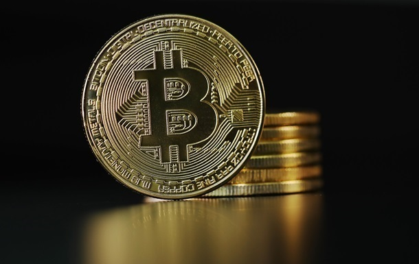 Ціна криптовалюти перевищила 60 тисяч доларів і наблизилася до рекордних максимумів у ці вихідні.
