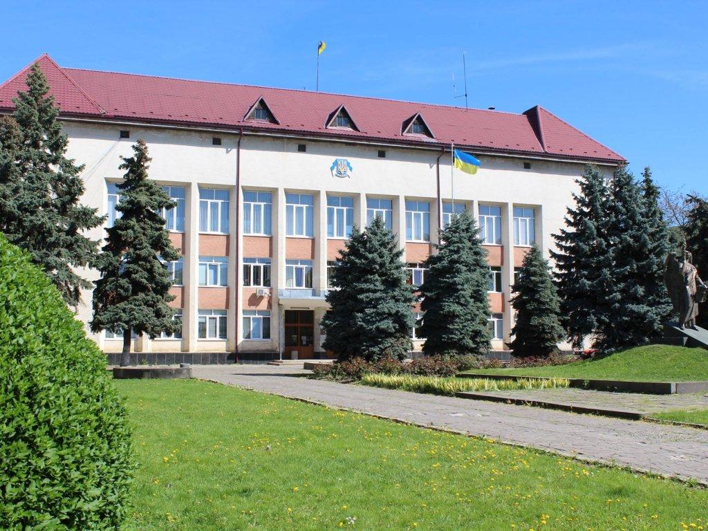 Сьогодні, 10 липня 2019 року, мало відбутися чергове засідання тридцять першої сесії Виноградівської районної ради.