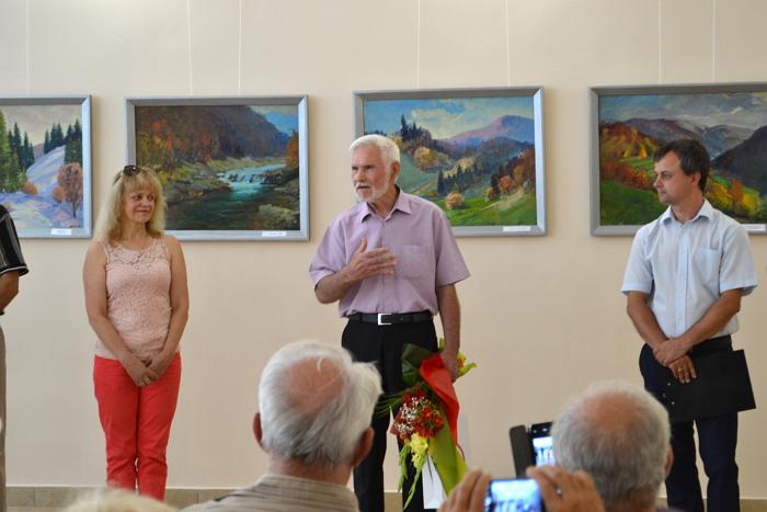 Виставка Івана Бондаренка, члена Об'єднання професійних художників Закарпаття, відкрилася 7 серпня у Закарпатському музеї народної архітектури і побуту.