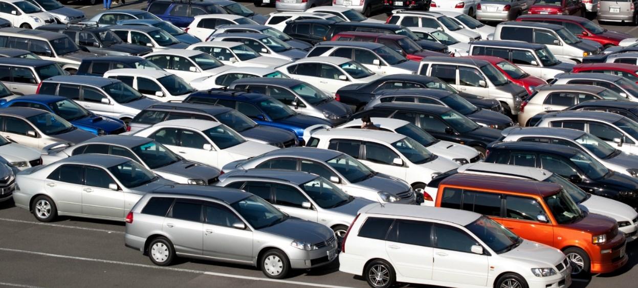 Фінансовий комітет Верховної ради напрацював два законопроекти щодо вирішення проблеми нерозмитнених автомобілів на єврономерах.