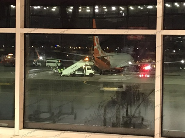 В українського літака компанії SkyUp при посадці в аеропорту єгипетського міста Шарм-еш-Шейх загорілося шасі. Літак здійснював рейс із Запоріжжя.