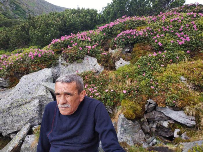 Петро Мідянка піднявся на Петросул Родней, найвищу вершину Роднянських гір у Румунії та й взагалі Східних Карпат.