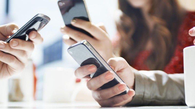У Верховній Раді зараз працюють над відповідним законопроектом. Таким чином вони хочуть впорядкувати ринок мобільних пристроїв та перевести його в законне русло.