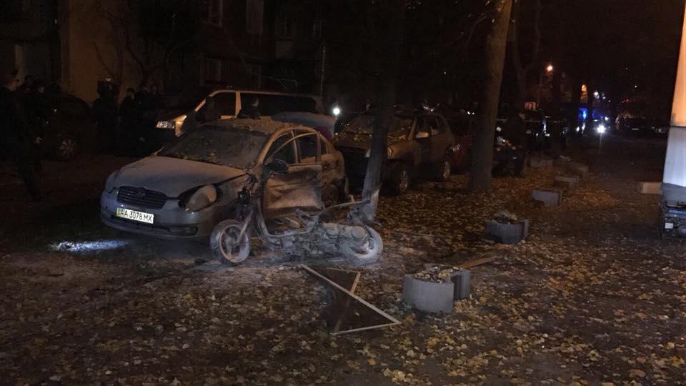 У Києві підірвали вибухівку: нардеп Мосійчук в лікарні з осколковими пораненнями