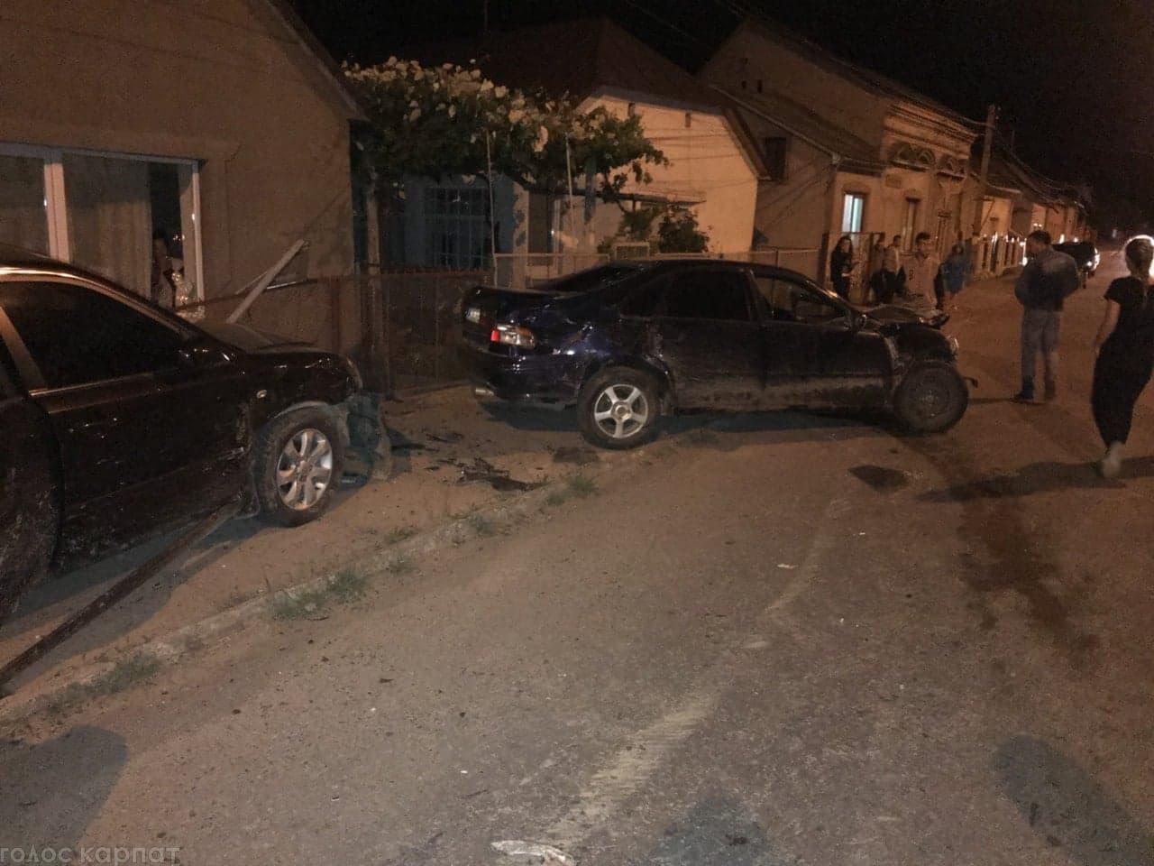Розбиті вщент: У Виноградові сталася жахлива ДТП (ФОТО)