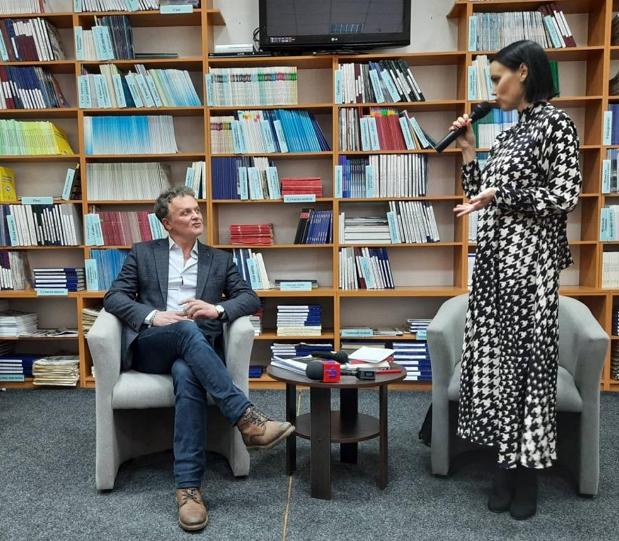 У читальній залі Закарпатської обласної універсальної бібліотеки ім.Ф.Потушняка у середу, 12 лютого,  був аншлаг.