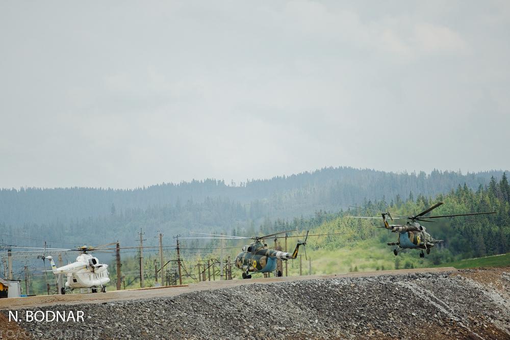 В Карпатах збудували три вертолітні майданчики до приїзду Порошенка (ФОТО)
