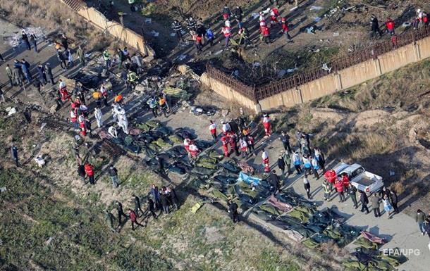 Офіс Генпрокурора розслідує аварію українського літака поблизу Тегерана, у результаті чого загинуло 176 осіб.