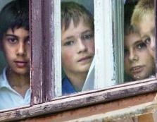 В Мукачеві батьків-алкоголіків позбавили прав на 10 дітей
