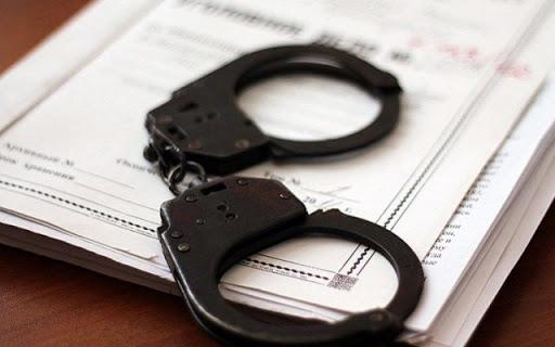 За погодження прокурора Перечинського відділу дізнавачем поліції вручено повідомлення про підозру 39-річному киянину, який з хуліганських мотивів напав на дівчину та двічі вдарив її (ч.1 ст.296 ККУ).