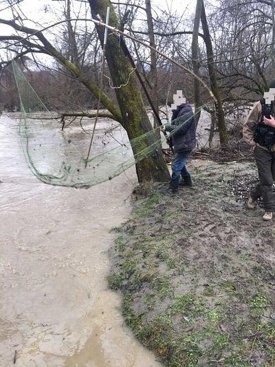 Четвертого лютого 2021 року інспекторами Закарпатського рибоохоронного патруля викрито два  грубих порушення правил рибальства.