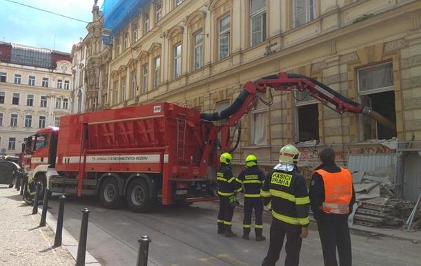 У центрі Праги обрушилася будівля, під завалами опинилися п'ять осіб