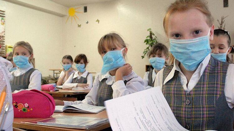 Не допустити скупчення дітей у переповнених класах шкіл непросто.