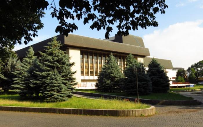 Мала Сцена Закарпатського драмтеатру відкриває сезон.