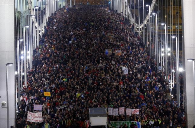 У Будапешті протестують проти змін до трудового законодавства