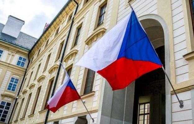 З 4 травня при перетині чеського кордону в закордонний паспорт буде ставитися спеціальна відмітка, яка посвідчує легальність перебування в Чехії.